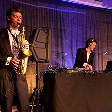 Dj Saxofonist Duo - John & Mr. Smith - Muziek - Bakermat - Klingande - Robin Schulz - Klangkurasell