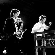 John & Mr. Smith DJ Saxofonist studentengala studentenfeest bruiloft