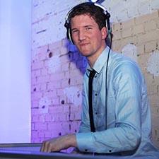 DJ John materiaal DJ saxofonist DJ met sax studentenfeest bedrijfsevenement bruiloft boeken